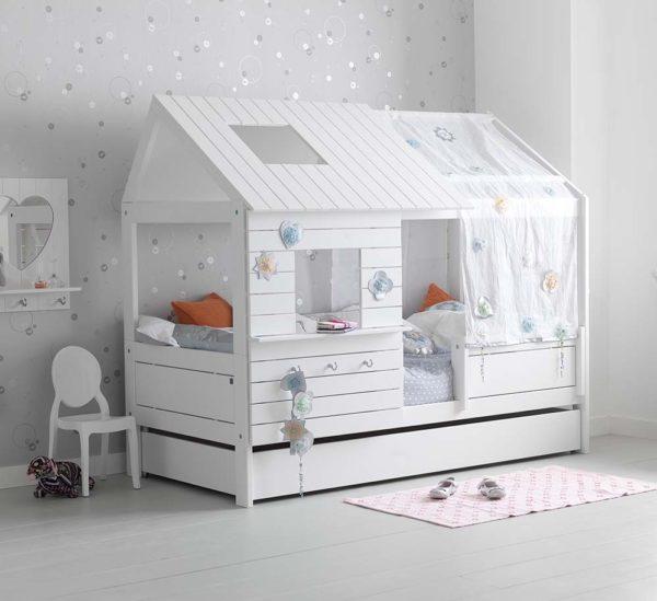 Детские кровати домики из дерева у нас на www.krowatki.ru