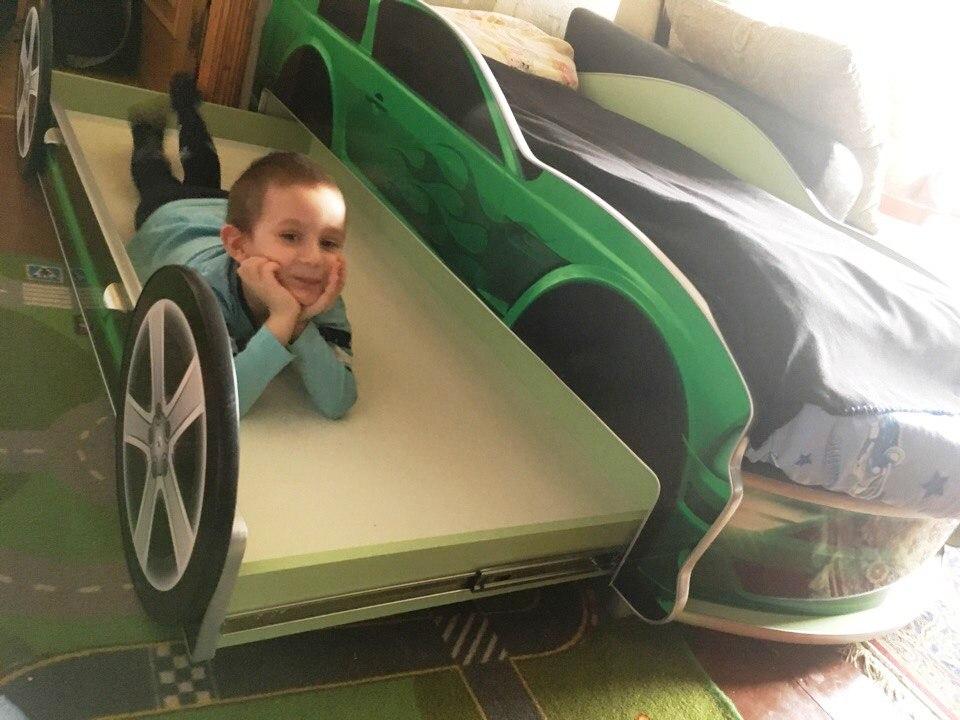 купить кровать машину для двоих детей