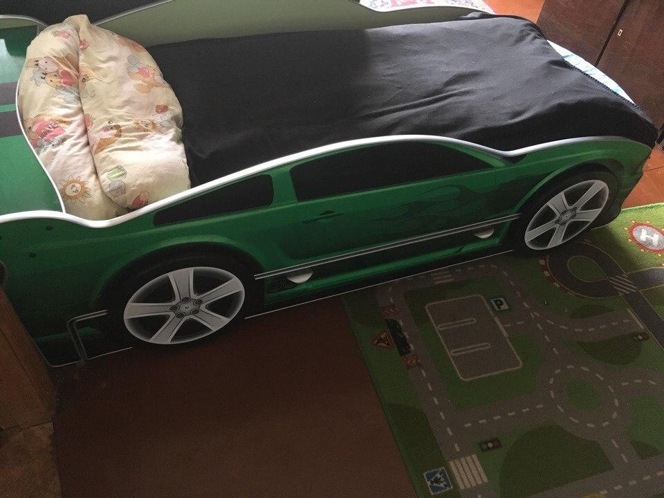 кровать машина для близнецов