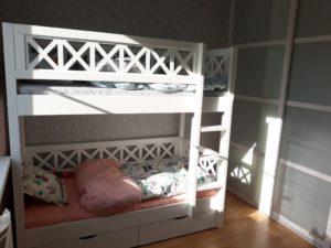Недорогая детская деревянная кровать - белая эмаль!