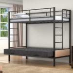Двухъярусная кровать с широким нижним спальным местом
