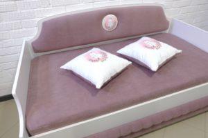 Мягкая кровать тахта для подростка девочки